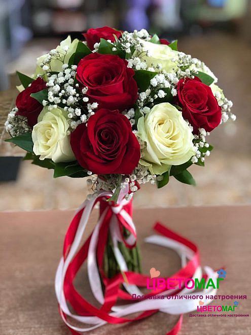 """Свадебный букет """"Минуты"""" из белых и красных роз"""