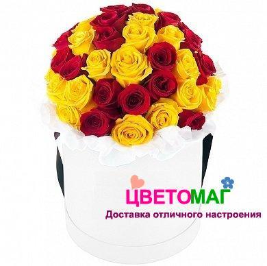 Коробка с 25 российскими розами