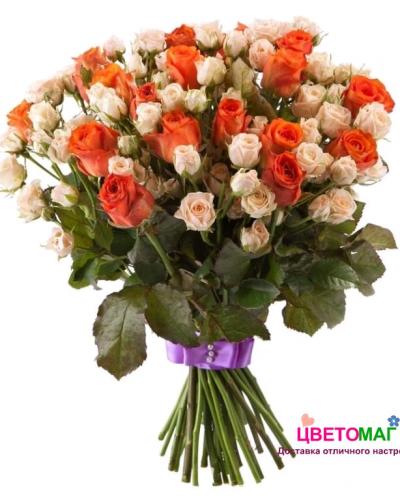 Букет из кустовой розы и эквадорской розы