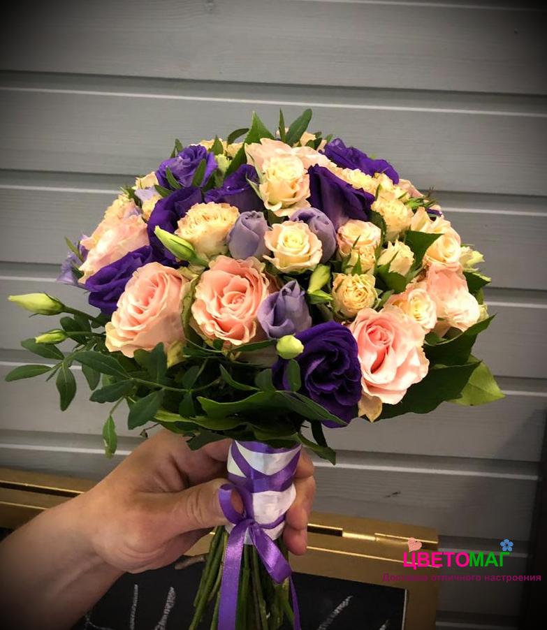 """Свадебный букет """"Сияние"""" из 21 розы и эустомы"""