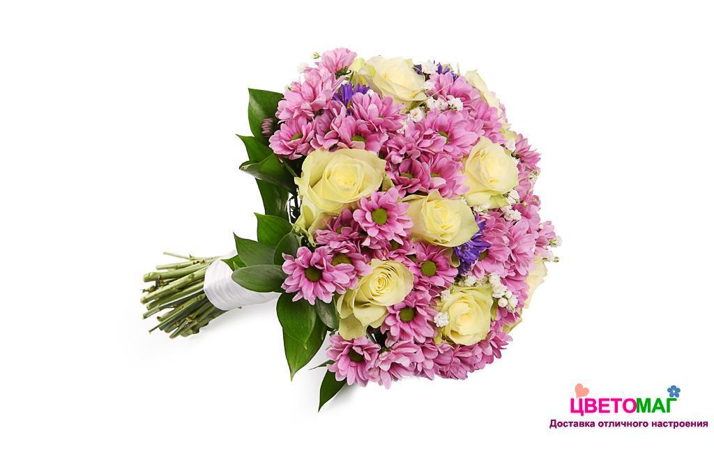 """Свадебный букет """"Знакомство"""" из хризантем и белых роз"""