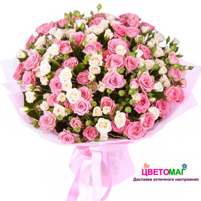Букет из 21  розовой и белой кустовой  розы