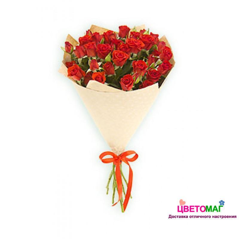 Букет из 5 красных кустовых роз
