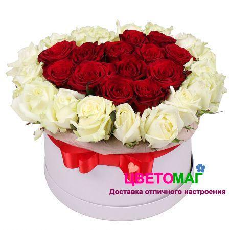 Шляпная коробка с розами в форме сердца