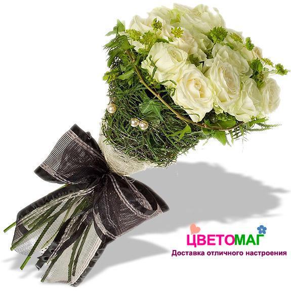 Букет из 12 белых роз