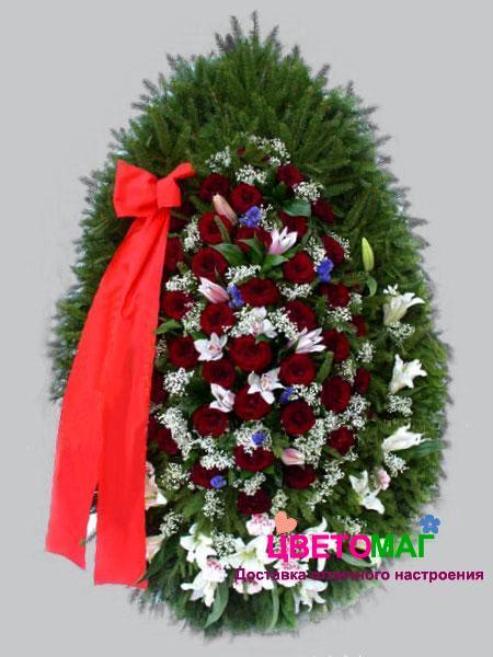 Венок из  красных роз и лилий 110см