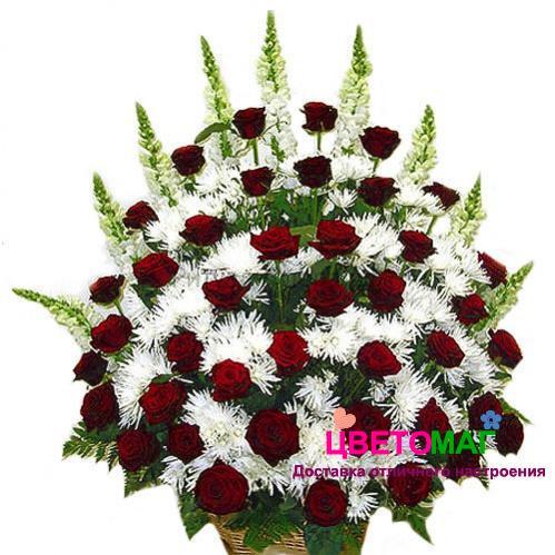 Корзина из 44 красных роз