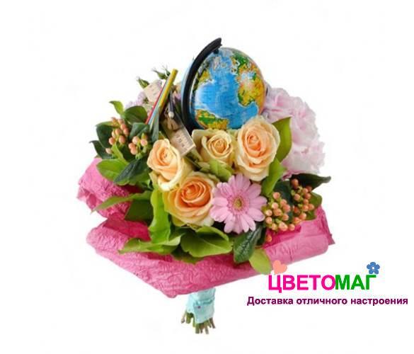 Букет с розами и гортензией