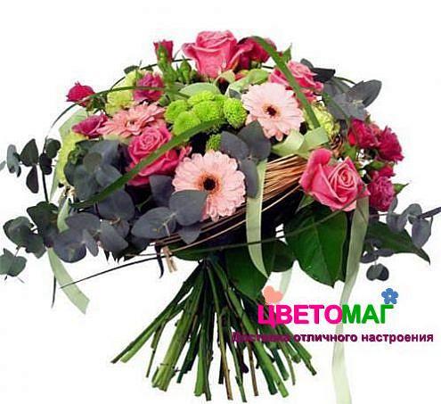 Букет с эвкалиптом и розами