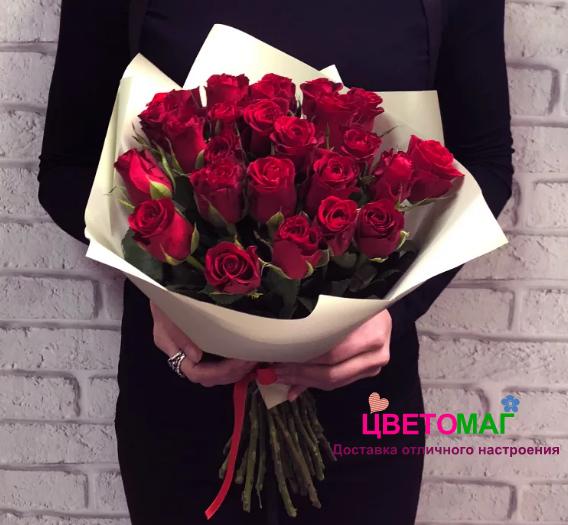Букет 25 кенийских красных роз
