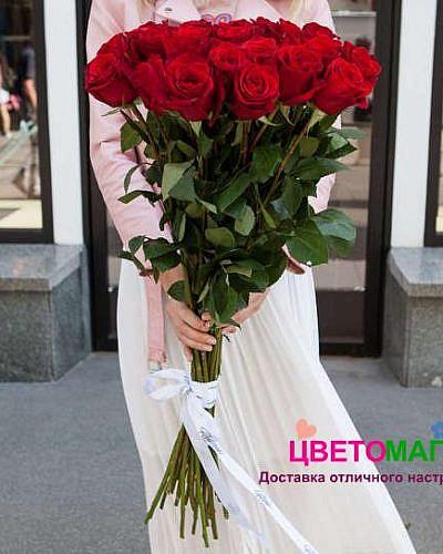 Букет из 25 красных роз Freedom 80 см (Эквадор)