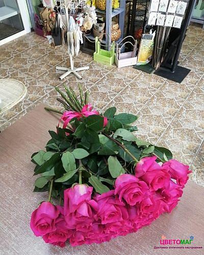Букет 25 розовых роз Pink Floyd 60 см (Эквадор)