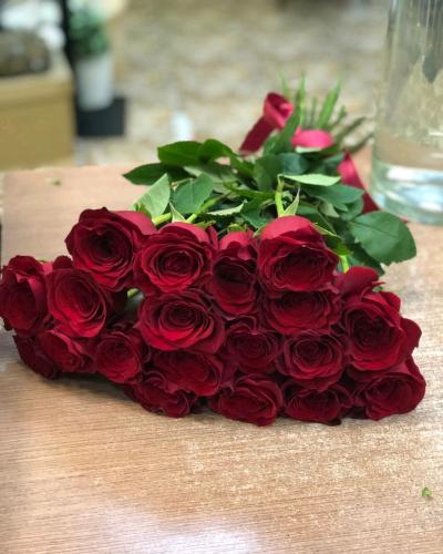 Букет из 19 красных роз Freedom 50 см (Эквадор)