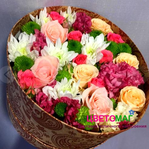 Коробочка с хризантемами и розами