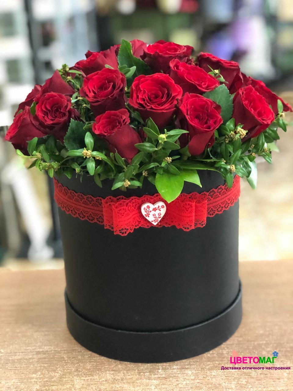 """Шляпная коробка """"Мечта"""" из красной розы"""