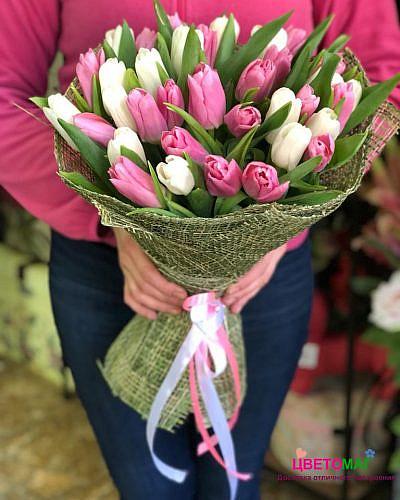 Букет из 35 тюльпанов