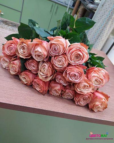 Букет 21 роза Кахала 50 см (Эквадор)