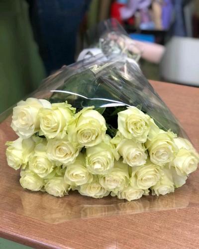 Букет 19 белых роз Mondial 60 см (Эквадор) 9